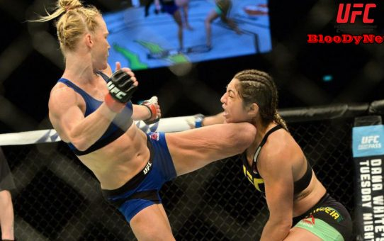 สะใจทั้งโลก! นักสู้ UFC ซ่ากวักมือเรียกคู่ชก เจอก้านคอล้มทั้งยืน