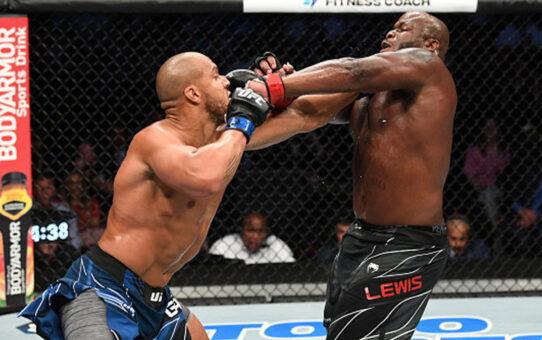"""""""เกน"""" ไล่ถลุง """"ลูอิส"""" คว่ำยก 3 คว้าแชมป์โลกเฉพาะกาล UFC รุ่นเฮฟวี่เวต ยืดสถิติไร้พ่าย"""